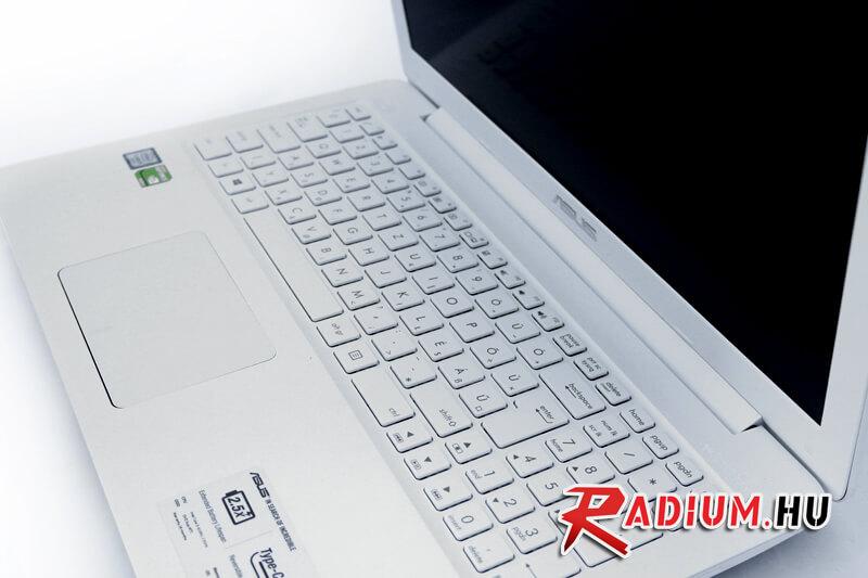 ASUS X556UQ - Vivobook: Mostanság csak úgy repkednek nálunk a kétszázezer forint alatt lévő multimédiás laptopok, amelyekre érdemes odafigyelnünk