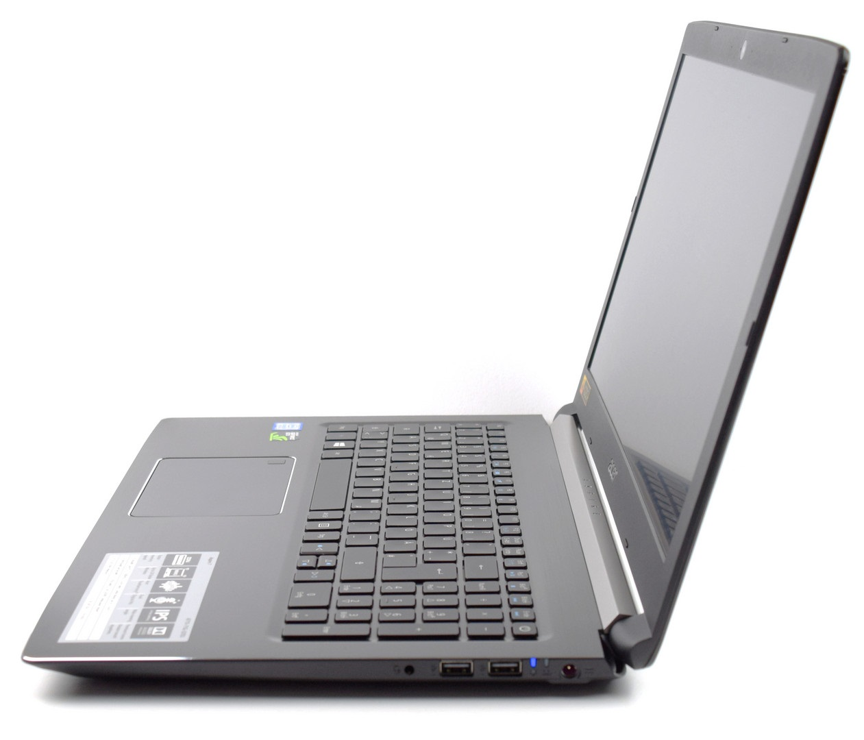 Acer Aspire 7 A715-72G-56E9: Az Acer i5-ös megoldása nem csak jó, de bizony még rendkívül jó árban is van!